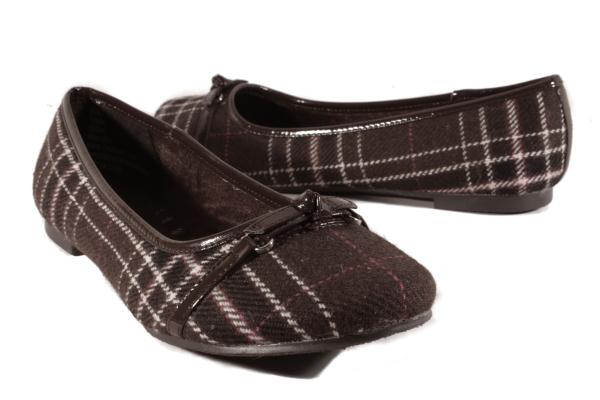 Details about Hot Cakes Brown Tegan Flats Womens Shoes size US Medium